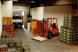 Lager Formervanger m. lastbil og gaffeltruck