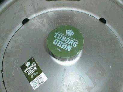 Fustage Grøn Tuborg med tydelig datomærkning