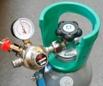 Kulsyreflaske med justerbar trykregulator og læsbart arbejdstryk manometer