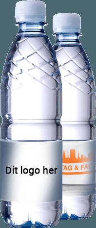 2 flasker kildevand med egen etiket. 50 cl flaske med B-Pant